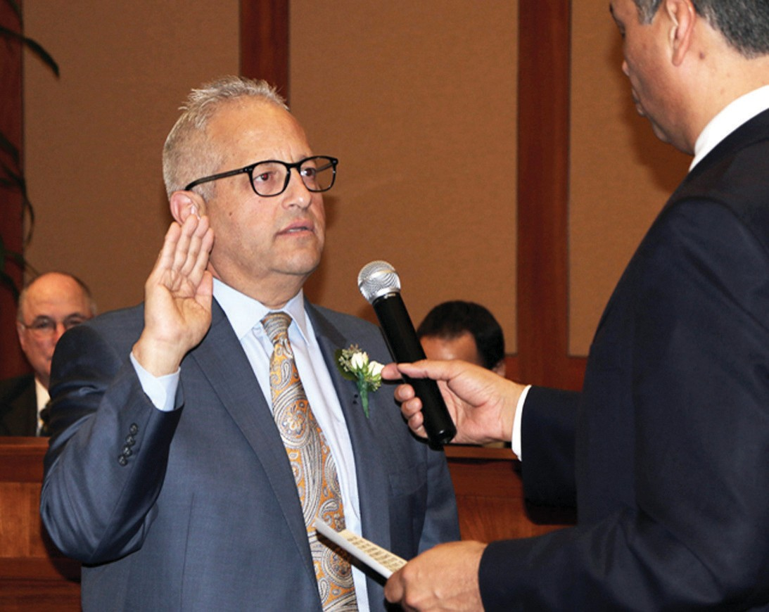 SWORN IN—New Calabasas Mayor Fred Gaines takes his oath. Courtesy City of Calabasas