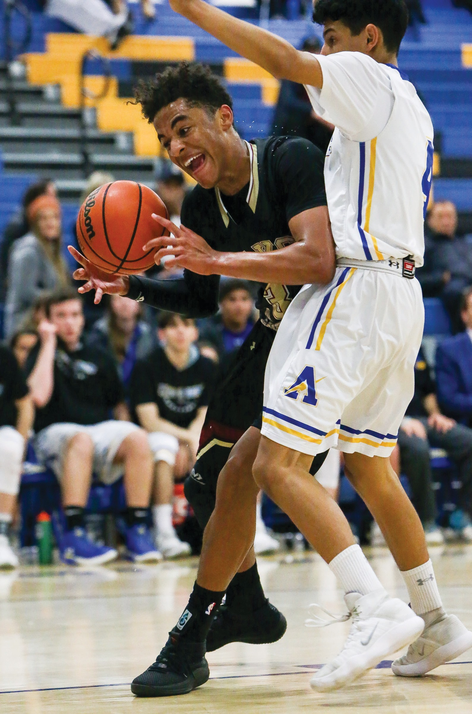 FUTURE MVP—Oaks Christian High senior guard Jordan Jones, left, scored 20 points in a 65-60 win against Agoura on Jan. 8 on the road. Photos by BOBBY CURTIS/Acorn Newspapers