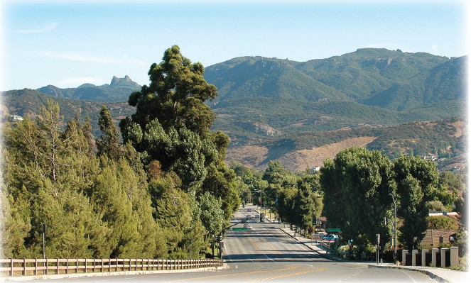 SCENIC SPLENDOR—A Westlake Village street is surrounded with outdoor beauty, trees and mountains. Acornfile photo