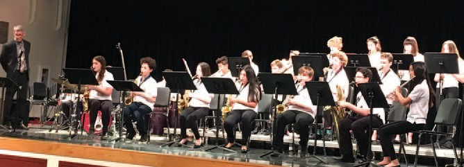 "ALL TOGETHER NOW—Matt McKagan leads the Lindero Canyon Middle School's introductory ""B"" Jazz Band in a performance.. CARY GINELL/Acorn Newspapers"